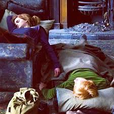 Ron-Hermione-Hands 2